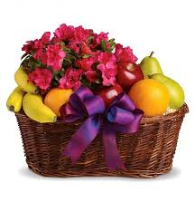 fruit gift baskets fruits blooms basket fruit gift baskets the delightful