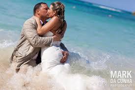 bahama wedding dress bahamas atlantis wedding trash the dress bahamas photographer
