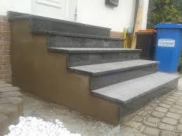 treppe belegen treppe zur haustür neu betonieren und mit naturstein belegen