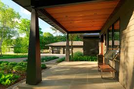 modern house porch modern lake house elizabeth liz herrmann vt architect