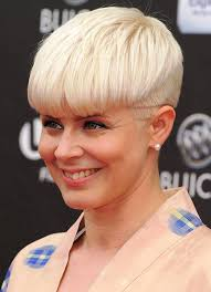 short haircuts with middle part 15 chic short haircuts most stylish short hair styles ideas