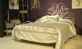 fer forgé chambre coucher lit en fer forgé didone 200 x 200 cm