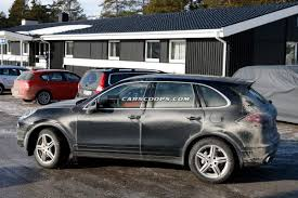 Porsche Cayenne Hybrid - spied porsche plugs in the new cayenne s hybrid e