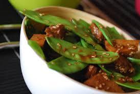 cuisiner des pois mange tout seitan misoyaki au sésame et aux mange tout clea cuisine