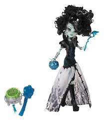 amazon com monster high ghouls rule frankie stein doll toys