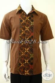 desain jaket warna coklat hem batik unik kombinasi motif klasik dan kain polos baju batik