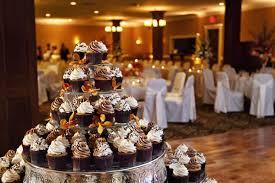 cupcake displays miss s cupcakes in brookfield wi marriedinmilwaukee
