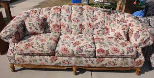 Victorian Style Sofas For Sale by Provo Yard Sales Victorian Style Floral Couch 225
