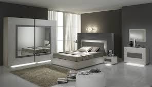 chambre contemporaine blanche chambre adulte complète contemporaine chêne blanchi blanche