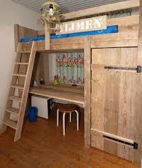 bureau en hoogslaper steigerhout met bureau en kast boho home