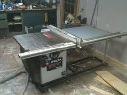 delta 10 inch contractor table saw what is a 8 yr old delta unisaw worth tools equipment