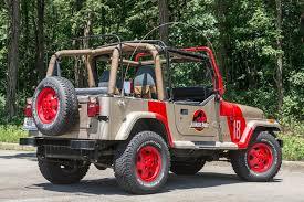 jurassic world jeep jurassic jeep produces dinosaur size enjoyment