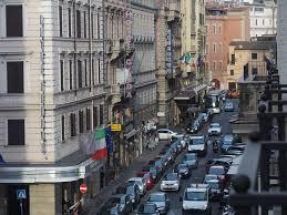 une chambre a rome vue de la chambre vers la droite picture of una hotel roma