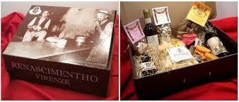 cassette natalizie prodotti tipici toscani cesti di natale scatole regalo