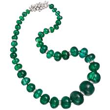 beaded necklace clasps images An emerald bead necklace with bulgari diamond clasp photo jpg