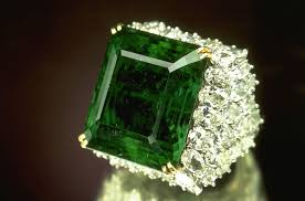 emerald the poet u0027s stone emerald gemstone meaning and uses crystal