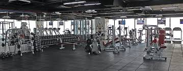 Crazy Bench Press Gym Etiquette 101 Don U0027t Break These 29 Unwritten Rules Nerd Fitness