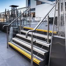 revetement pour escalier exterieur nez de marche antidérapant escalier antidérapant escalier watco