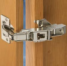 Soft Closing Kitchen Cabinet Hinges by Self Closing Cabinet Hinges Silvertone Metal Screwon Self Closing