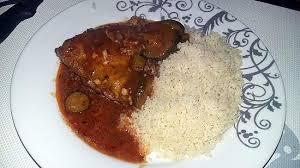cuisiner du manioc recette de poulet kedjenou et semoule de manioc plat ivoirien