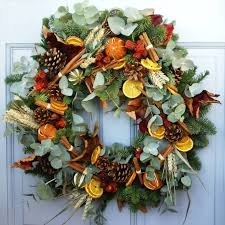 live christmas wreaths christmas wreaths ideas to make in your home inspirationseek