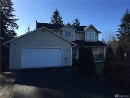 Home Legend Tacoma Oak Laminate Flooring 204 173rd St E Spanaway Wa 98387 Mls 1076151 Redfin