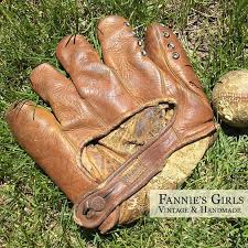 Hutch Baseball Gloves Vince Dimaggio Hutch Fielders Glove Vintage By Fanniesgirlsvintage