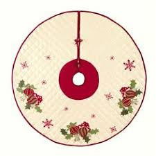 48 deck the halls polyester tree skirt