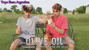 Challenge Lucas And Lucas And Eat It Or Wear It Challenge Subtitulado Al
