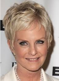 12 pixie hairstyle for classy and elegant looking women over 50