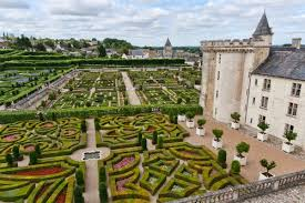 chateaux and wine around villandry the loire valley and it is gorgeus gardens eco trendy