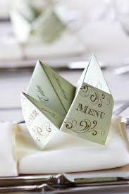 id e menu mariage un menu en forme de cocotte en papier 10 idées tendance pour la