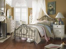Best COMFORTABLY BEDROOM DECOR WITH COUNTRY STYLE IDEAS Images - Country style bedroom ideas