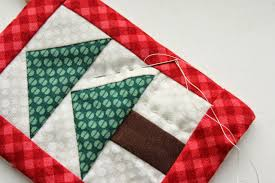 Quilted Christmas Tree Ornaments Mini Christmas Tree Quilt Ornament Tutoial Diary Of A Quilter A
