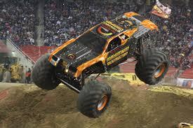 maximum destruction monster truck videos to run like the best monster truck freestyle