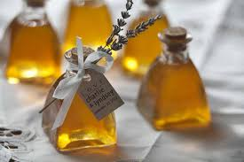 honey jar wedding favors top trends for wedding favors in 2015