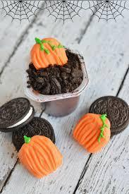 halloween pumpkin dirt cup snacks for kids