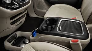 chrysler minivan gallery 2017 chrysler pacifica minivan interior photos autoweek