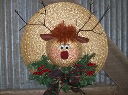 straw hat reindeer wreath it u0027s christmas everywhere pinterest