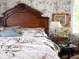Vintage Looking Bedroom Furniture by Beautiful Vintage Style Bedroom Decoration With Beige Color Scheme