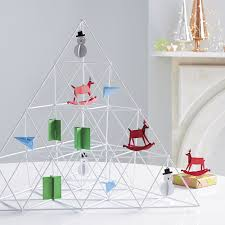 geometric ornament tree so that s cool