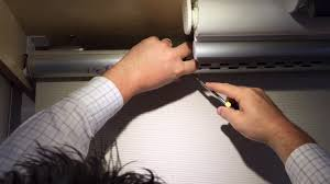 Battery Operated Window Blinds How To Change The Batteries On A Luxaflex Qmotion Roller Blind