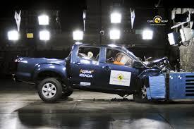 bugatti crash test isuzu d max gets maximum 5 star ancap safety rating