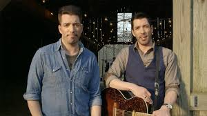 Property Brothers Cast Exclusive The Scott Brothers Drew And Jonathan Give Flo Rida U0027s