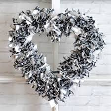 heart wreath one hour scrappy fabric heart wreath hey let s make stuff