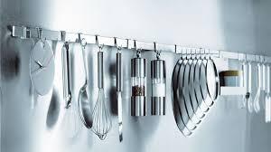 accessoire cuisine design accessoire cuisine design le plan de travail joue avec les objets d