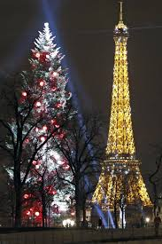 eiffel tower christmas lights wonder rempli de noël à paris rêves paris france