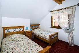 une chambre pour deux enfants chambre à coucher pour deux enfants photo stock image du