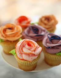 Easy Icing Flowers - how to pipe icing roses pipes rose and tutorials