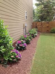 Basic Backyard Landscaping Ideas by 10 Cheap But Creative Ideas For Your Garden 4 Side Yard